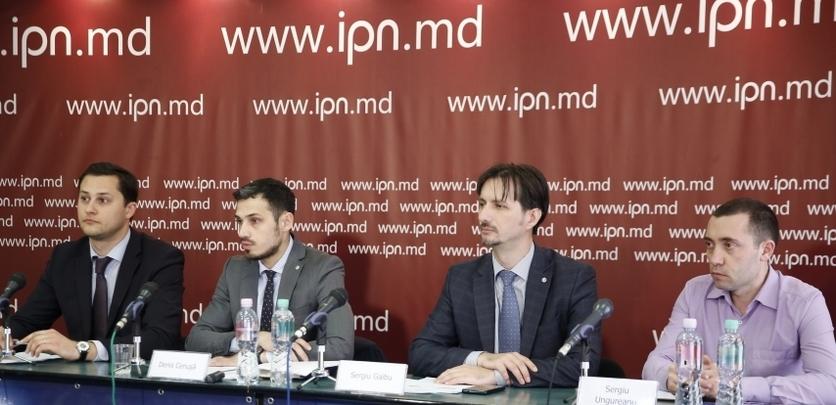 Experţii Expert Grup în cadrul conferinţei de presă