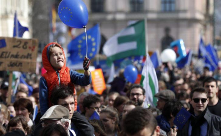 """Protest """"Pulsul Europei"""" în Berlin, Germania."""