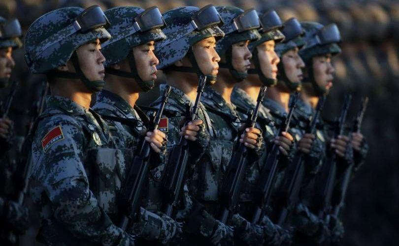 Soldaţi chinezi.