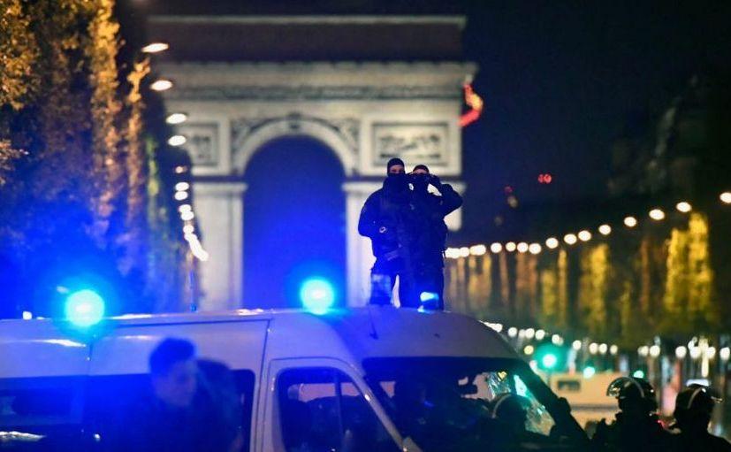 Atac armat în Paris