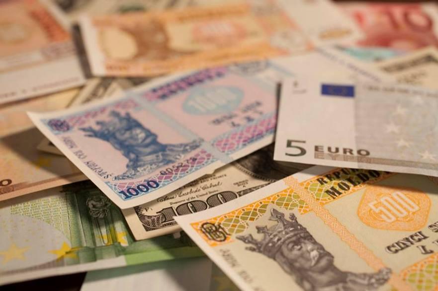 Finanţe. (Bani, lei) Moldova