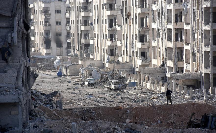 Clădiri distruse în oraşul sirian Alep.