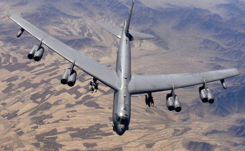 Bombardier american B-52.