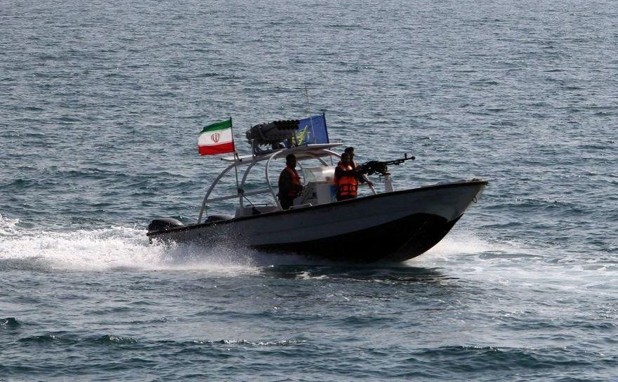 Şalupă a Gărzilor Revoluţionare Iraniene.