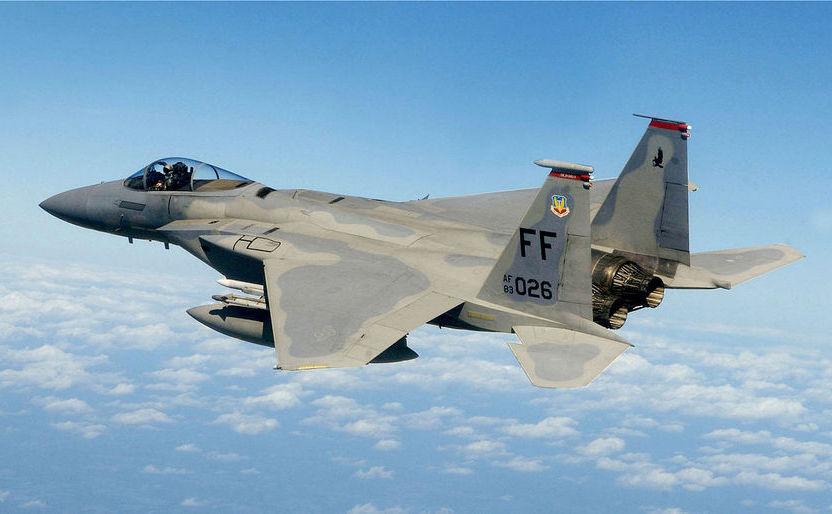 Avion de luptă american F-15.
