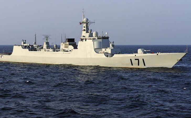 Distrugător chinez Type 052. O  flotilă chineză a participat duminică, 18 iunie 2017, la un exerciţiu  maritim comun cu Marina Iranului în apropiere de Strâmtoarea Hormuz, în  Golful Persic.