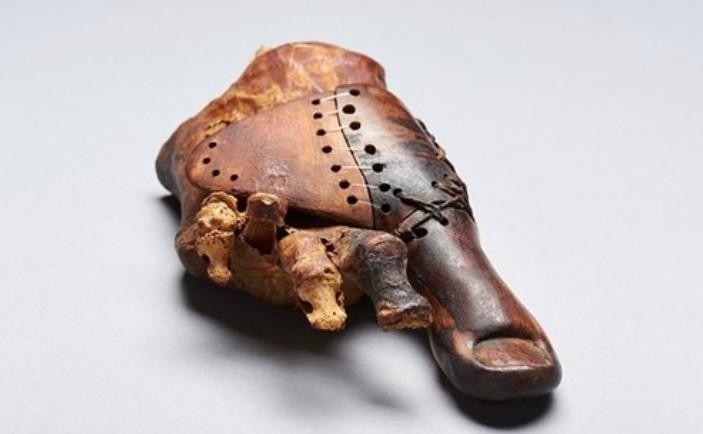 Proteză din lemn de aproape 3.000 de ani