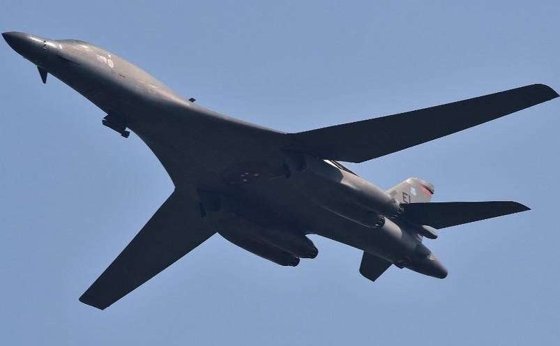 Bombardier american B-1B.