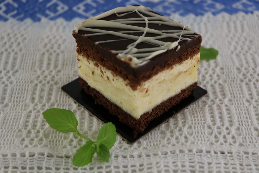 Prăjitura Televizor - Casa Romana Sweets Boutiques Oakville