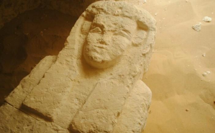 Unul dintre sarcofagele descoperite recent