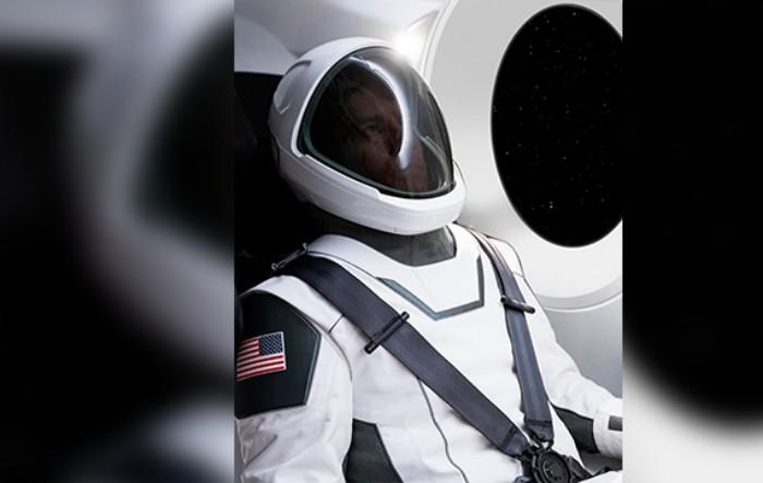 Noul costum spaţial prezentat de Elon Musk
