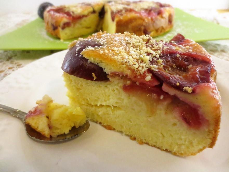 Prăjitură răsturnată de prune