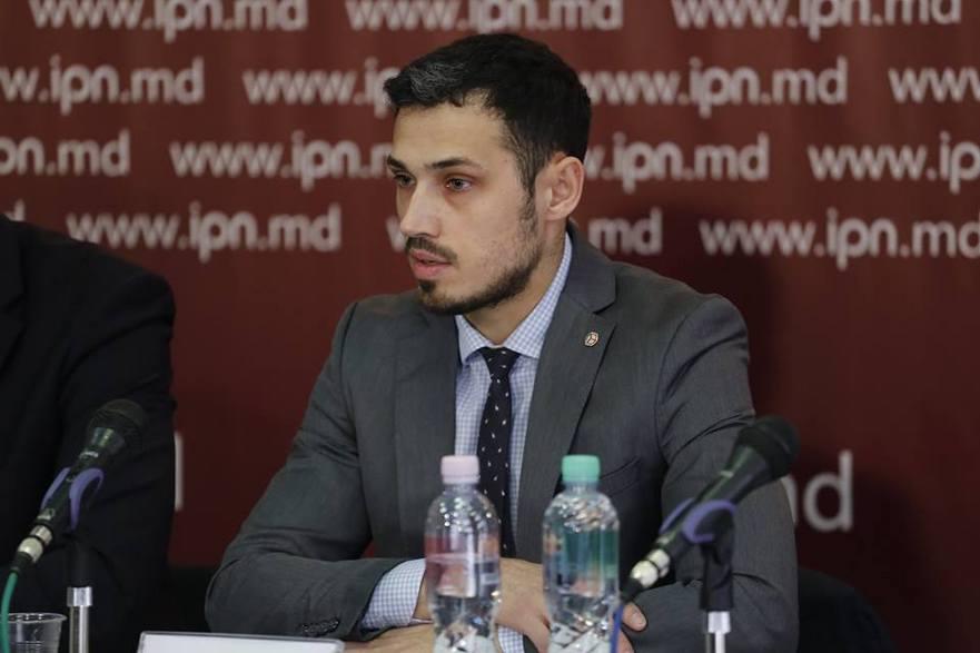 Dionis Cenuşă, politolog
