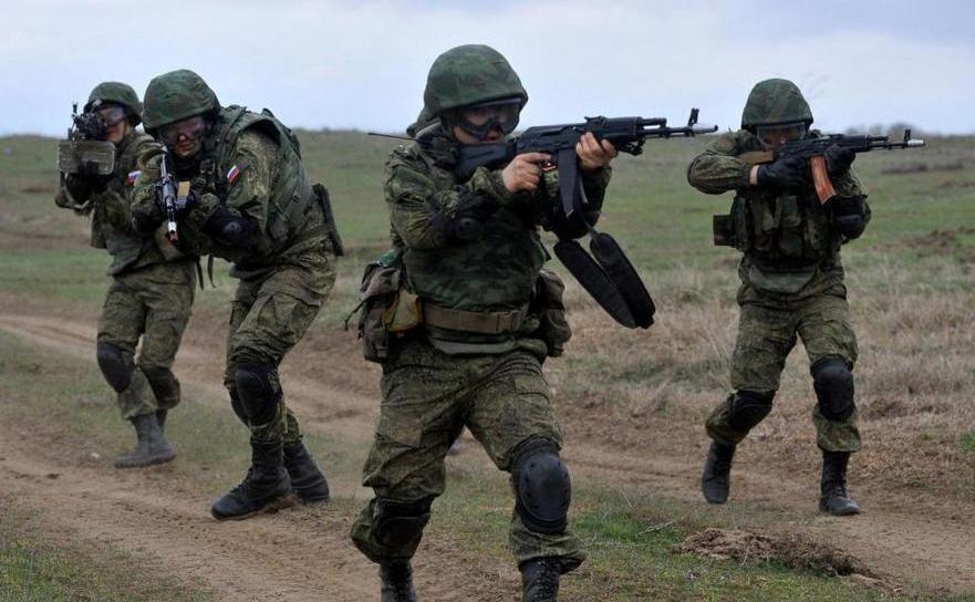Soldaţi ruşi