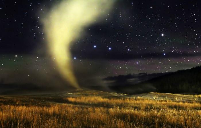 Gheizerul Old Faithful, Parcul Naţional Yellowstone din Statele Unite ale Americii