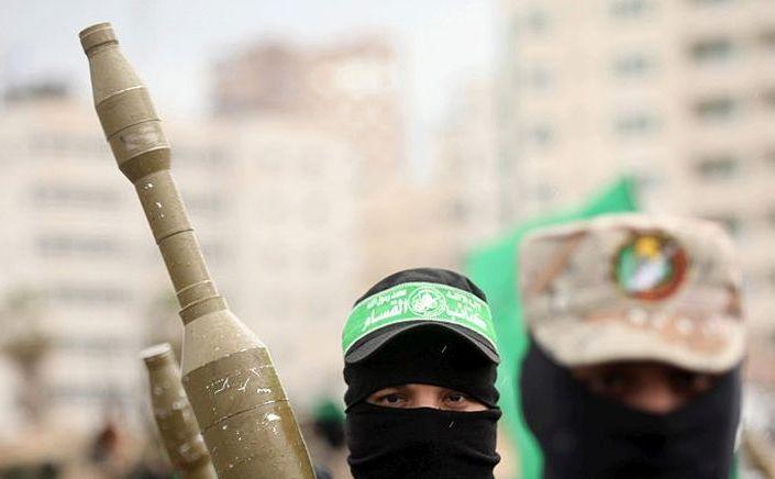 Membrii ai Brigăzilor Izz ad-Din al-Qassam, aripa militară a Hamas.