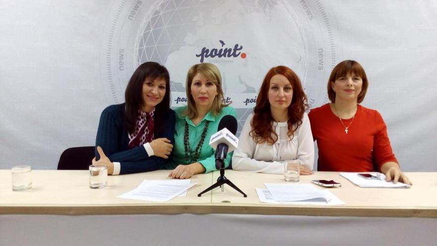 Membri ai grupului Părinţi Solidari