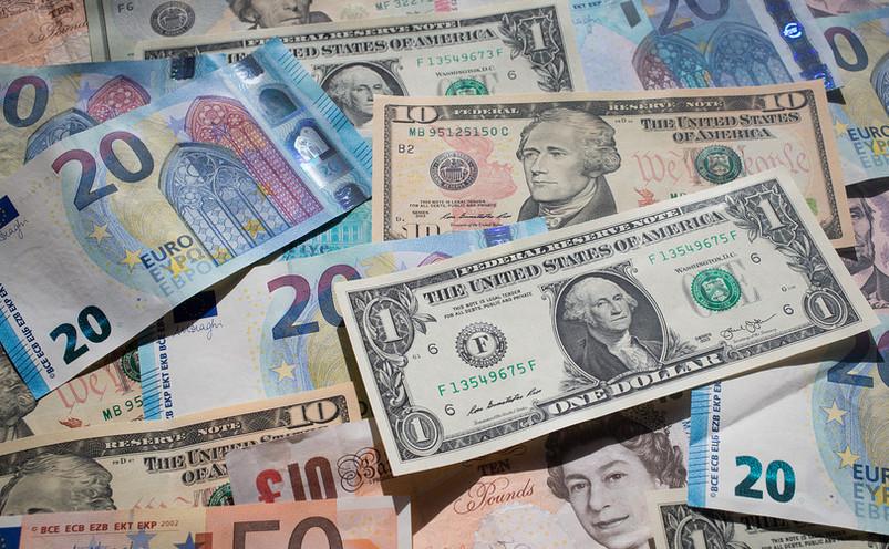 China şi Rusia încearcă să diminueze dependenţa faţă de dolar şi de euro