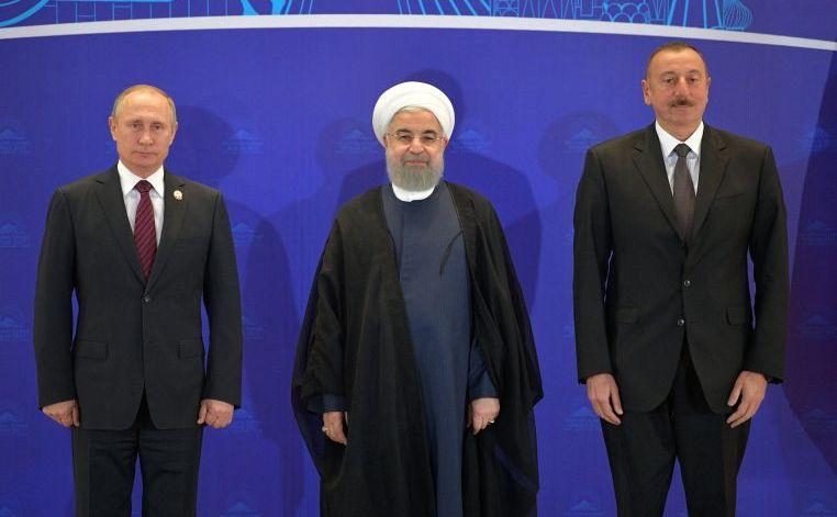 (De la st. la dr.) preşedintele rus Vladimir Putin, preşedintele iranian Hassan Rohani şi omologul lor azer Ilham Aliyev în Teheran, Iran, 1 noiembrie 2017.