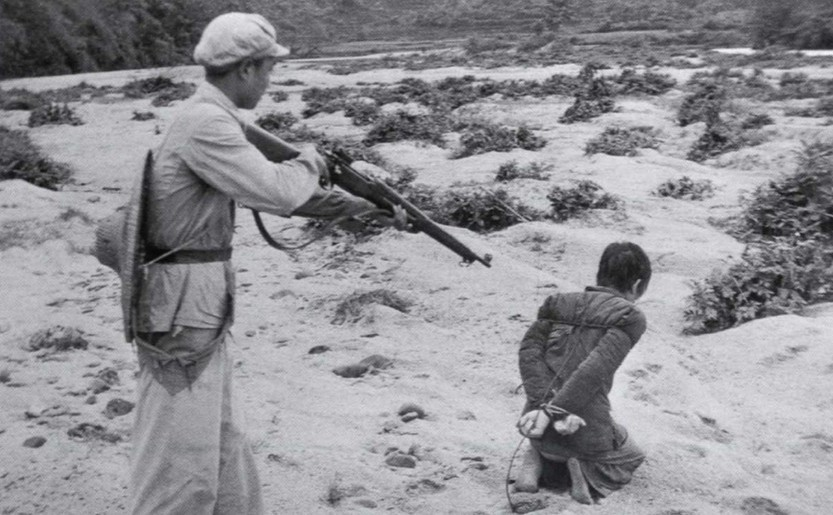 Execuţii sumare efectuate de comuniştii chinezi