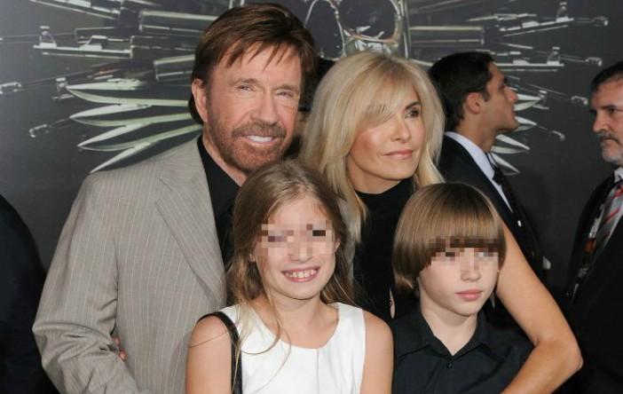 Chuck şi Gena Norris, împreună cu copiii lor