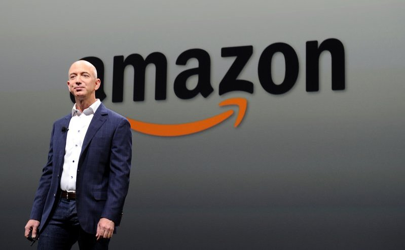 Jeff Bezos, directorul general al Amazon.