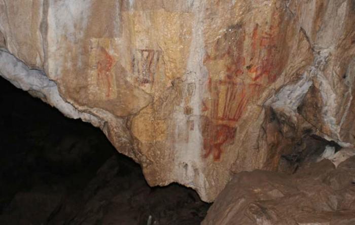 Artă rupestră în peştera Kapova (Uralii de Sud)