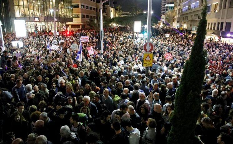 Protest masiv împotriva corupţiei în Tel Aviv, Israel, 2 decembrie 2017.