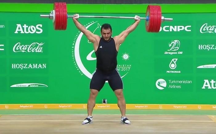 Halterofilul iranian Sohrab Moradi.