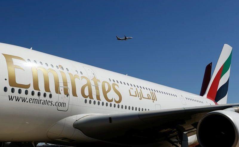 Un avion al companei aeriene Emirates Airlines din Emiratele Arabe Unite.
