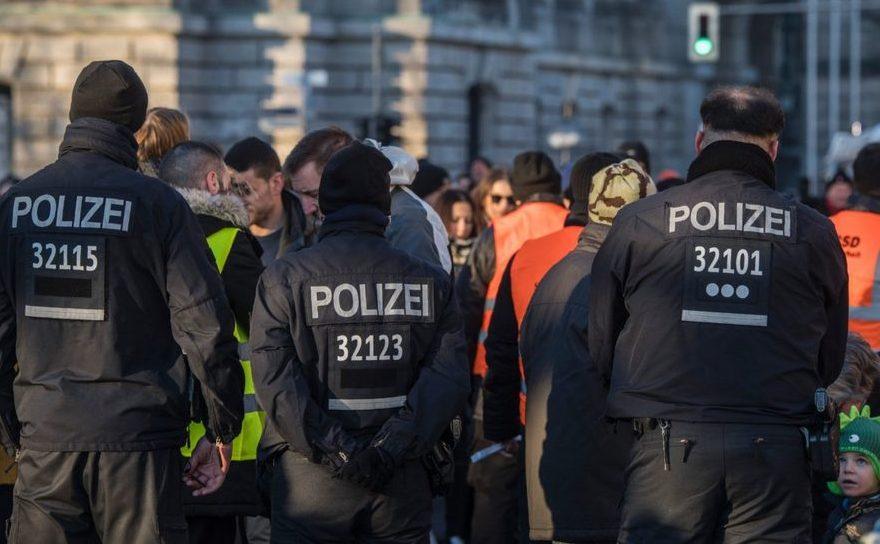 Poliţişti germani