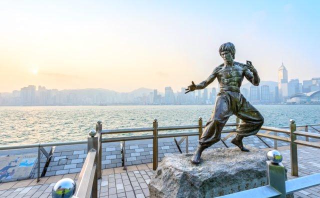 Statuia lui Bruce Lee din Hong Kong