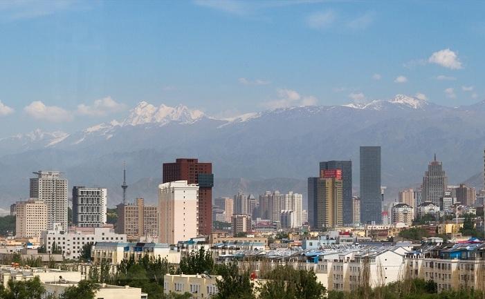 Urumqi, capitala regiunii Xinjiang, cea mai supravegheată zonă din lume, potrivit Wall Street Journal