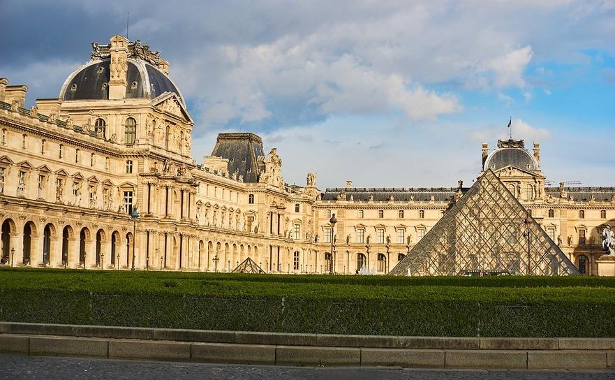 Muzeul Louvre din Paris, Franţa