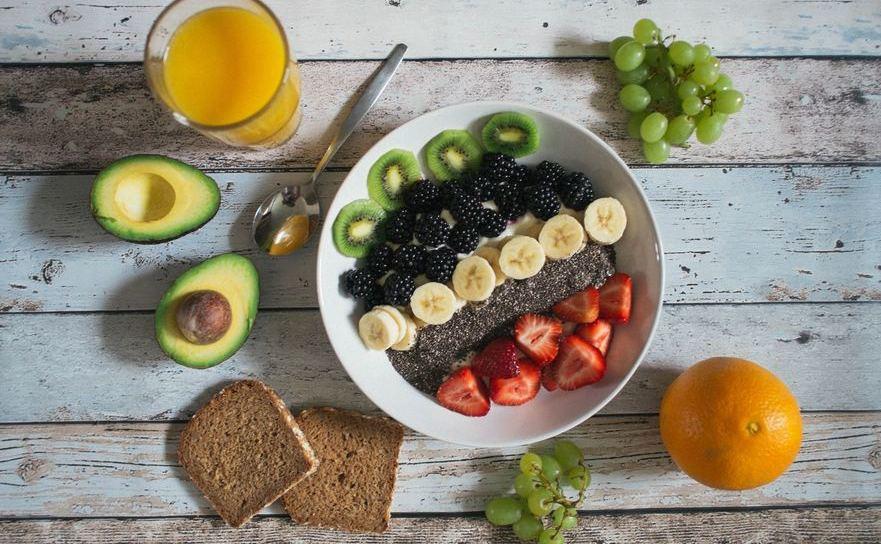 Fructele si legumele sunt baza unei diete sanatoase.