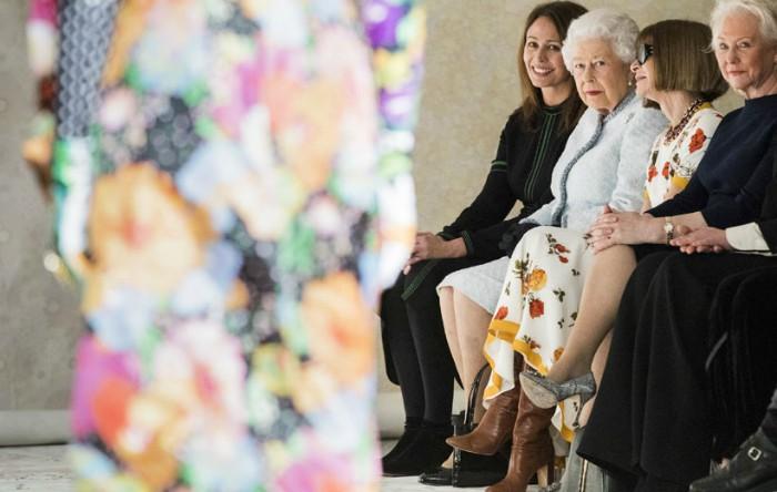 Regina Elisabeta a II-a a Angliei, London Fashion Week toamna/iarna 2018-2019