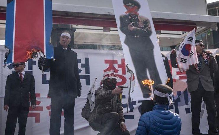 Protest anti-Phenian în Seul, Coreea de Sud.
