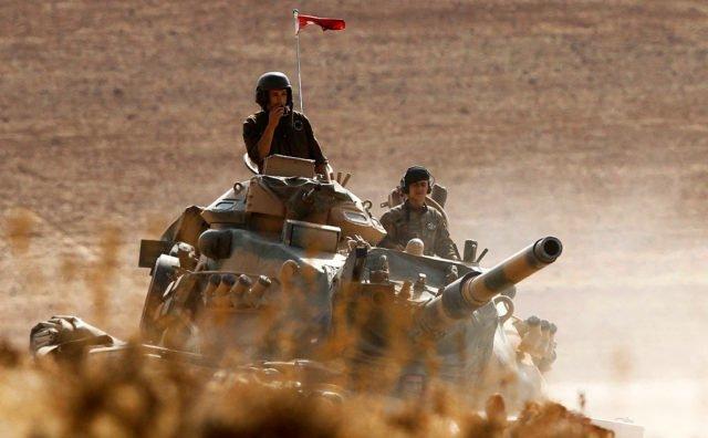 Soldaţi turci