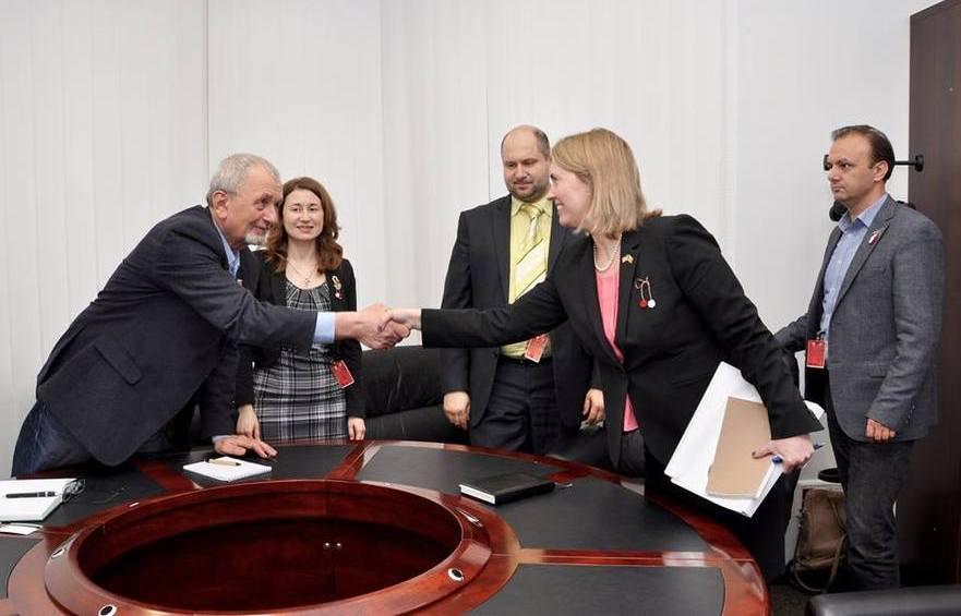 Bridget Brink la întâlnirea cu repr. societăţii civile din R. Moldova