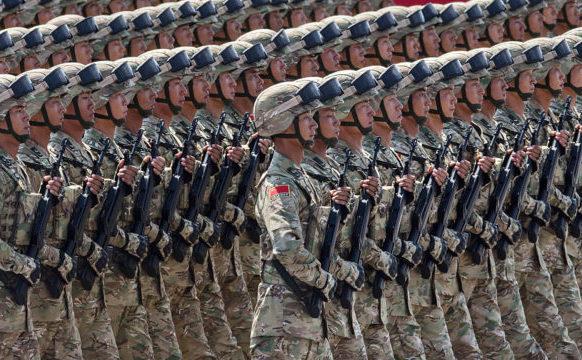 Soldaţi chinezi