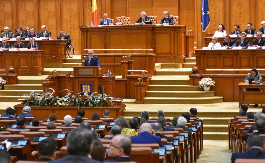 Şedinţă solemnă a Parlamentului la 100 de ani de la Unirea Basarabiei cu România
