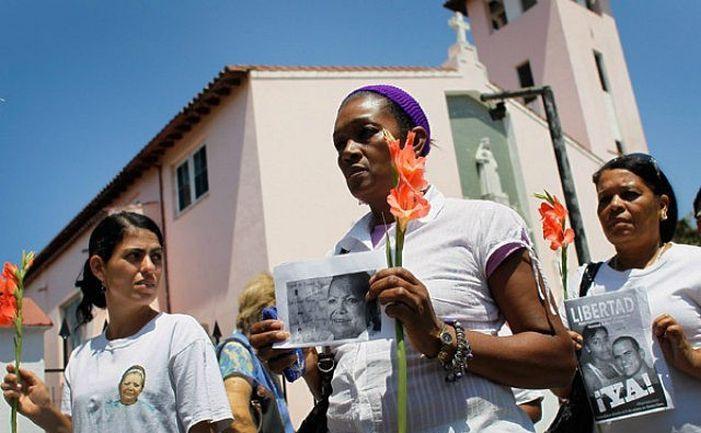 Membre ale grupului dizident cubanez Doamnele în Alb