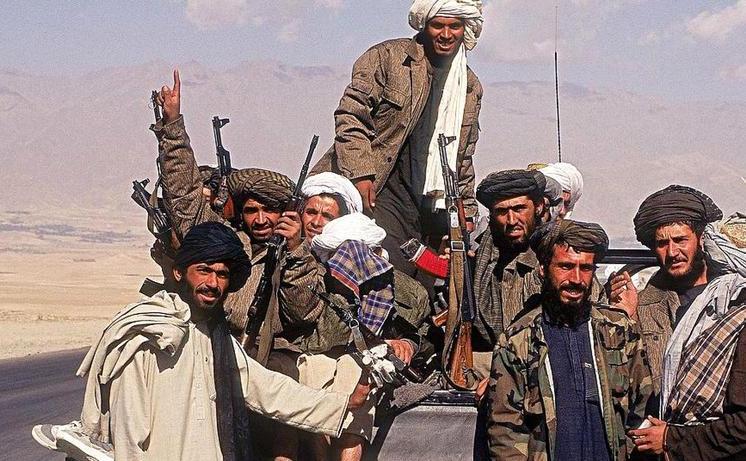 Luptători talibani în Afganistan
