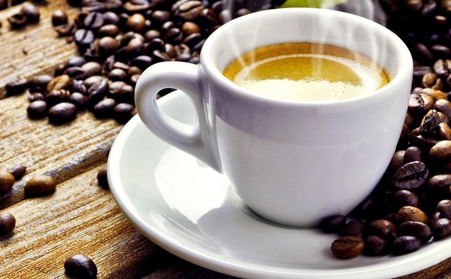 Ceaşcă cu cafea.