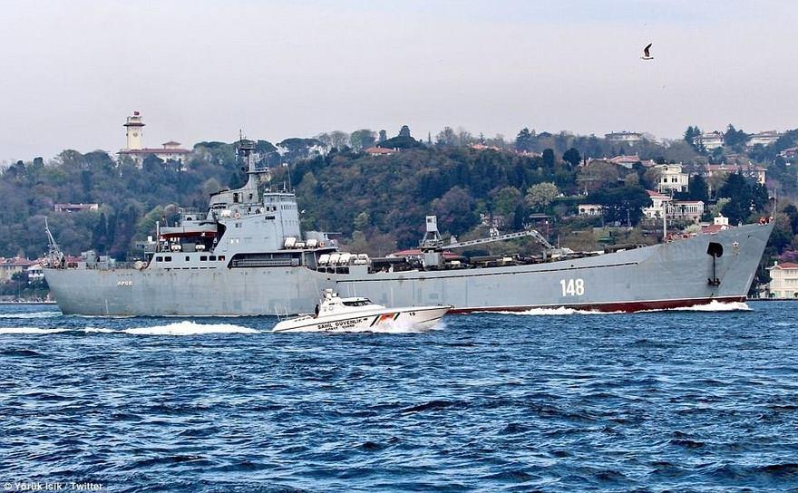 """O navă rusească de debarcare, din clasa Proiect 117 """"Alligator""""."""