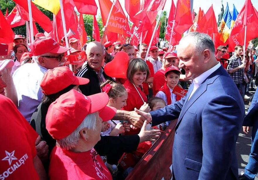 Igor Dodon la marşul organizat la 1 Mai de către PSRM