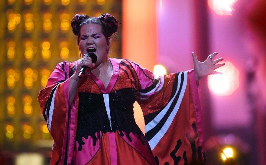 Cântăreaţa Netta Barzilai din Israel în timpul Eurovision 2018.
