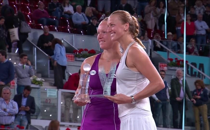Jucătoarea cehă de tenis Petra Kvitova alături de olandeza Kiki Bertens.
