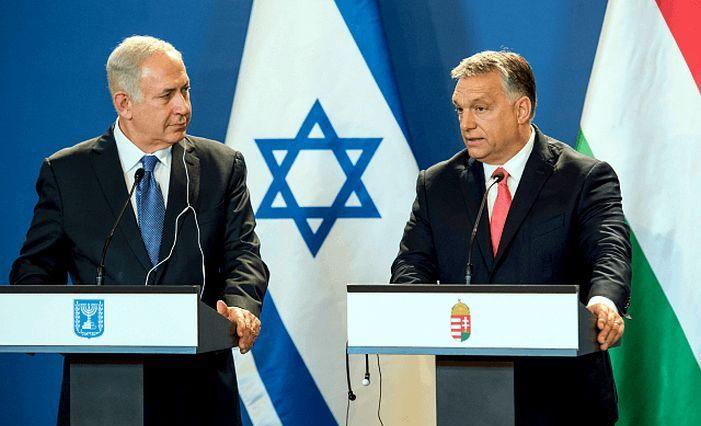 Premierul israelian Benjamin Netanyahu (st) şi premierul ungar Viktor Orban