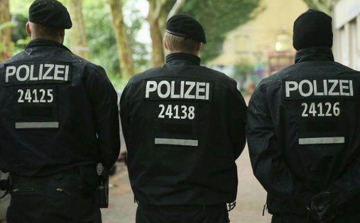 Ofiţeri de poliţie germani
